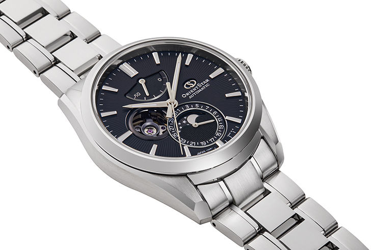 ORIENT STAR: Mechanical Contemporary Watch, Metal Strap - 41.0mm (RE-AY0001B)