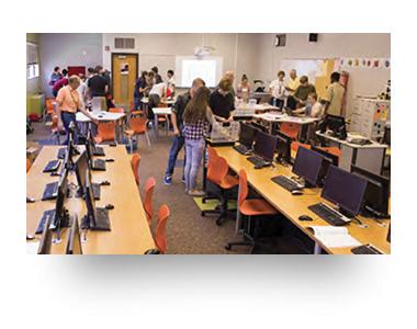 Des Moines Public School / Hoover High School
