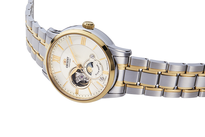 ORIENT: Mechanical Classic Watch, Leather Strap - 42.0mm (RA-AS0001S)