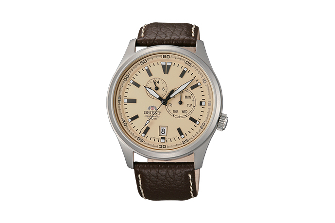 ORIENT: Mechanical Sports Watch, Leather Strap - 42.0mm (ET0N003Y)
