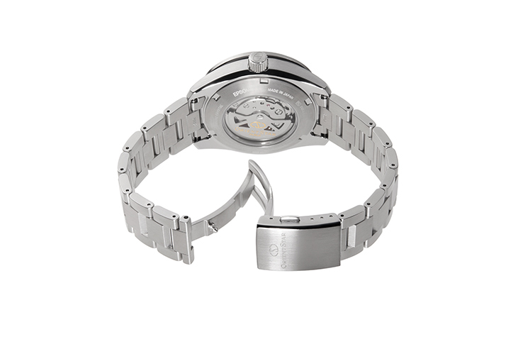 ORIENT STAR: Mechanical Sports Watch, Metal Strap - 43.2mm (RE-AV0A02S)