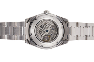ORIENT STAR: Mechanical Contemporary Watch, Metal Strap - 40.0mm (RE-HK0001S)