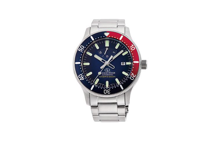 ORIENT STAR: Mechanical Sports Watch, Metal Strap - 43.6mm (RE-AU0306L)