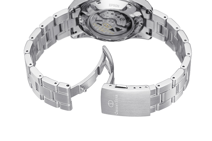 ORIENT STAR: Mechanical Contemporary Watch, Metal Strap - 38.5mm (RE-AU0005L)