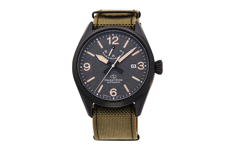 ORIENT STAR: Mechanical Sports Watch, Nylon & Nylon Strap - 41.omm (RE-AU0206B)