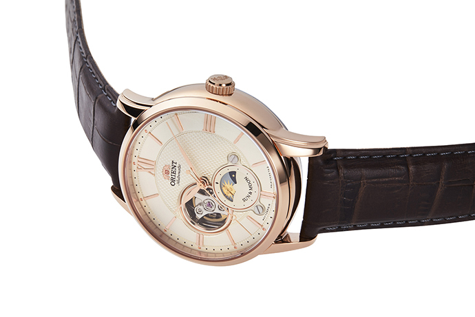 ORIENT: Mechanical Classic Watch, Leather Strap - 42.0mm (RA-AS0003S)