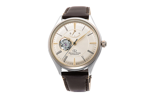 ORIENT STAR: Mechanical Classic Watch, Leather Strap - 40.4mm (RE-AT0201G)