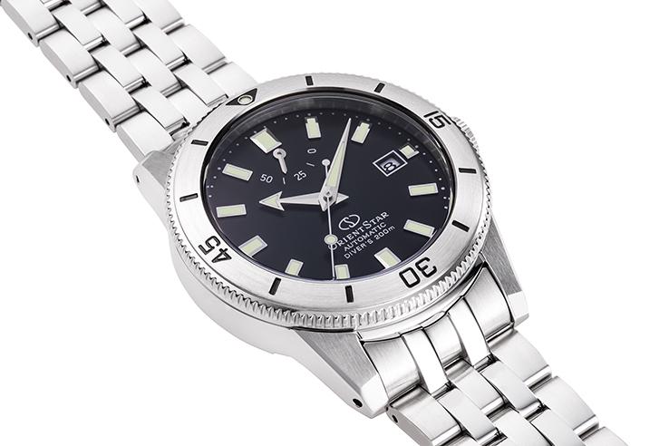 ORIENT STAR: Mechanical Sports Watch, Metal Strap - 40.2mm (RE-AU0501B) Limited