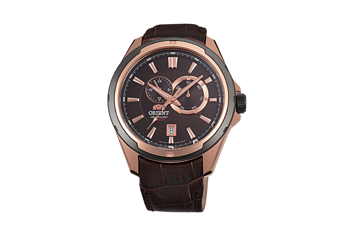 ORIENT: Mechanical Sports Watch, Leather Strap - 44.0mm (ET0V001T)