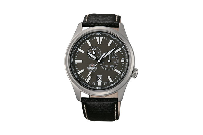 ORIENT: Mechanical Sports Watch, Leather Strap - 42.0mm (ET0N002K)
