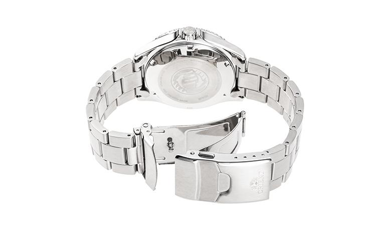 ORIENT: Mechanical Sports Watch, Metal Strap - 41.8mm (RA-AA0811E)