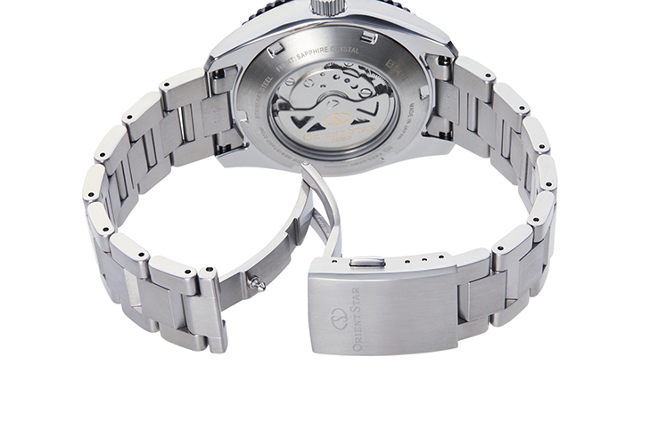 ORIENT STAR: Mechanical Sports Watch, Metal Strap - 43.2mm (RE-AT0102Y)