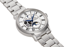 ORIENT STAR: Mechanical Classic Watch, Metal Strap - 41.0mm (RE-AY0102S)