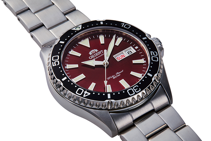 ORIENT: Mechanical Sports Watch, Metal Strap - 41.8mm (RA-AA0003R)