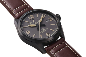 ORIENT STAR: Mechanical Sports Watch, Leather Strap - 41.0mm (RE-AU0202N)