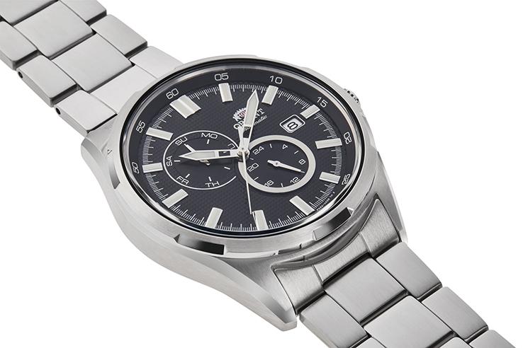 ORIENT: Mechanical Sports Watch, Metal Strap - 42.6mm (RA-AK0602B)