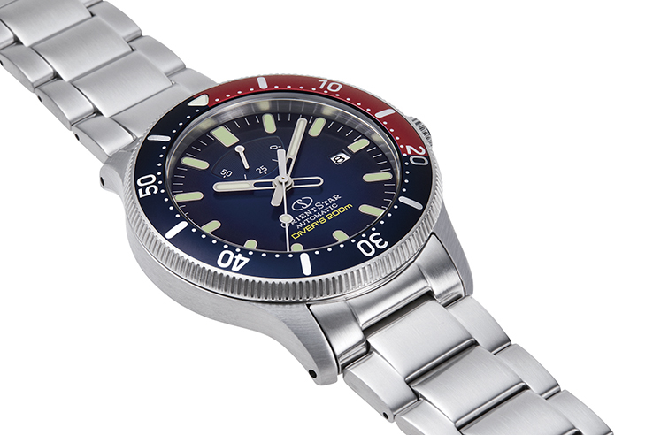 ORIENT STAR: Mechanical Sports Watch, Metal Strap - 43.6mm (RE-AU0306L)