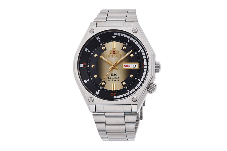 ORIENT: Mechanical Revival Watch, Metal Strap - 41.7mm (RA-AA0B01G)